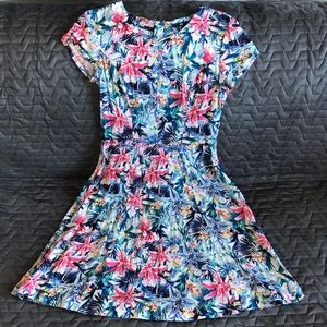 NWT H&M Tropical Floral Skater Dress Size 6